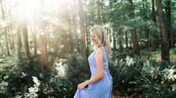 Zdravilna moč obleke: Privoščite si ženstvenost v dolgi obleki!