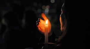 Meditacija gledanja v svečo pomaga pri težavah z depresijo, nespečnosti, alergijah, anksioznosti...