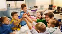 Kako podpreti otroke, najstnike in sebe v času korona norosti?