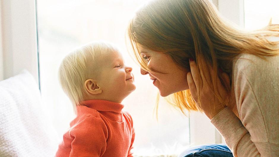 Travmatično je lahko že to, da se mama ne zmore uglasiti s potrebami otroka (foto: pexels)