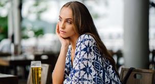Čustvene bolečine ne moremo pregnati z alkoholom