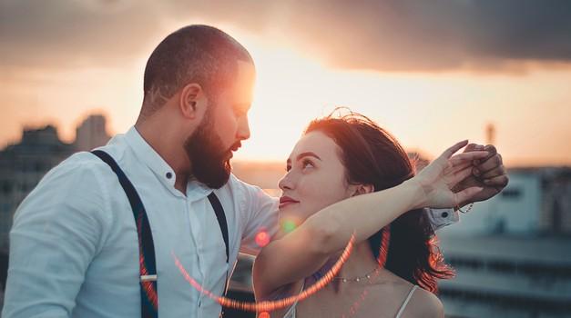 4 znamenja, ki se (pre)hitro zaljubijo (foto: pexels)