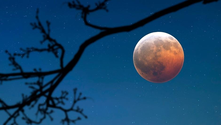 Prihaja LUNIN MRK, ki deluje kot izredno močna polna luna (foto: profimedia)