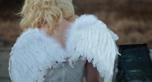 Občutljivi ljudje: Angeli z zlomljenimi krili, ki poletijo, ko so ljubljeni