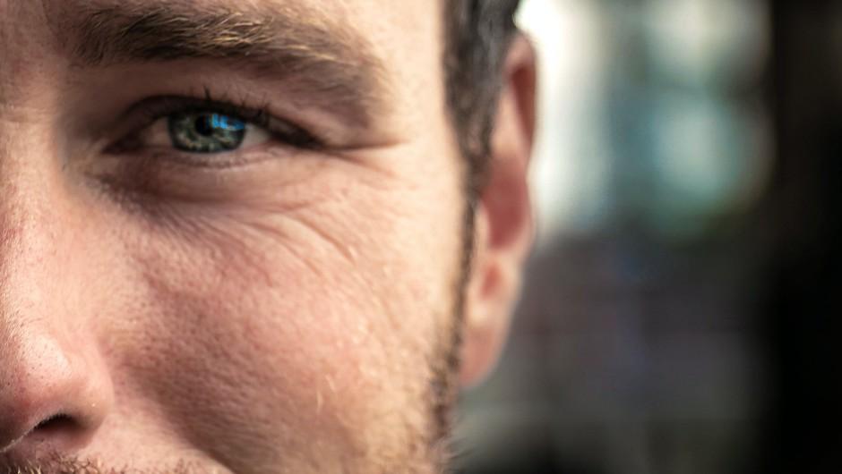 Urban Urbanc o moških, ki jih je strah sile ljubezni (foto: pexels)
