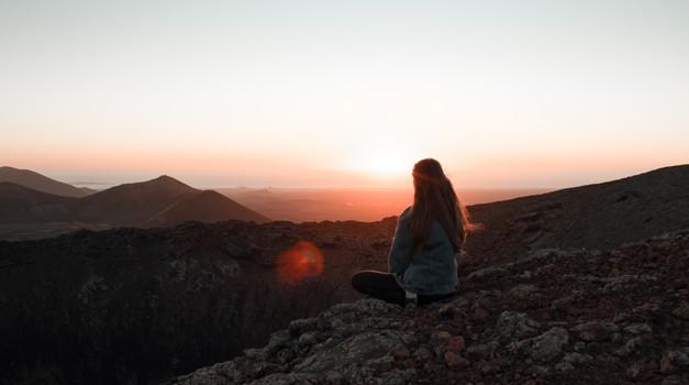 Sporočilo za današnji dan: Duhovni razvoj prinaša srečo (foto: pexels)