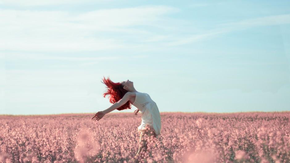 Ena od najbolj žalostnih stvari je, da si spodrežemo krila (foto: pexels)