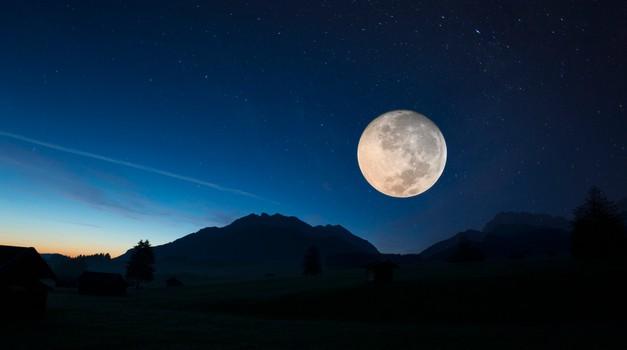 Kaj početi in čemu se izogibati med polno luno (foto: profimedia)