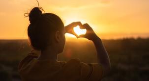 """Mati Terezija: """"Največja težava v svetu je lakota. Ne telesna, temveč srčna lakota."""""""
