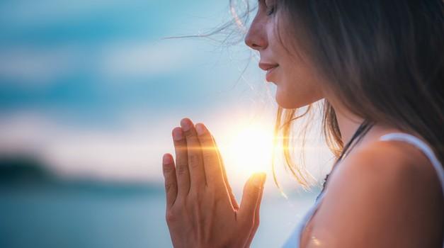 MEDITACIJA za več ljubezni in sočutja v življenju (foto: shutterstock)