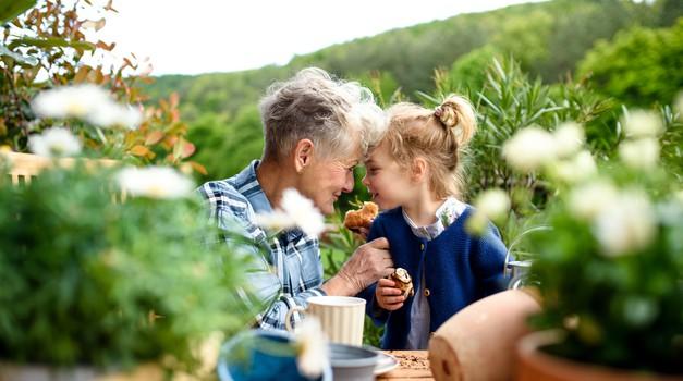 Sporočilo za današnji dan: Spomladi, bi na koncu dneva morali dišati po zemlji. (foto: shutterstock)
