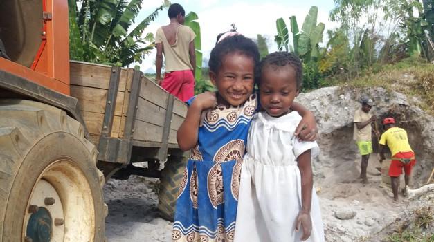 Misijonar Janez Krmelj na Madagaskarju: »Zanje je najbolj pomembno to, da niso v stiski odbiti, ampak sprejeti.« (foto: Janez Krmelj)
