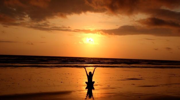 9 misli/manter za ta čas mlaja & sončevega mrka (foto: pexels)