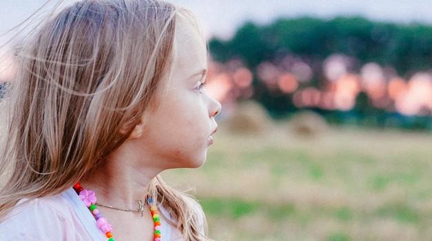 Visoko občutljivi otroci zelo čustveno doživljajo vsako besedo (foto: PEXELS)