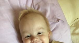 Spoznajte deklico Zalo: pri treh letih in pol je že prestala najhujše in zmagala!