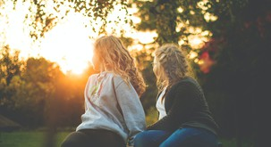 HOROSKOP: Potrebujete veliko prijateljev ali samo enega?