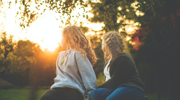 HOROSKOP: Potrebujete veliko prijateljev ali samo enega? (foto: pexels)