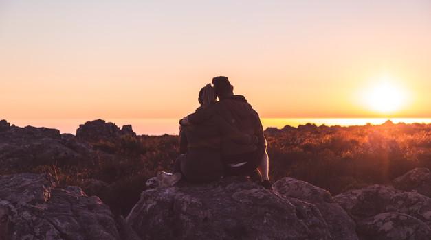 V življenju se zaljubimo le v 3 osebe (foto: pexels)