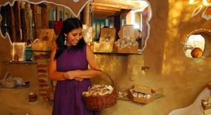 DIVJA ZDRAVILKA : delavnica za ženske: Potovanje v svojo celost