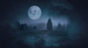 Kaj prinaša torkova polna luna?