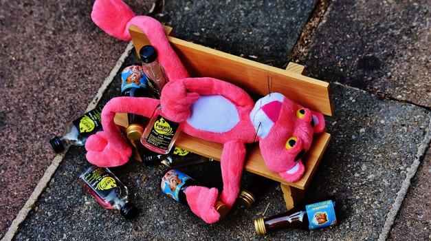 Covid vs. alkoholizem: Ni cepiva zoper to odvisnost (zapis terapevtke) (foto: pexels)